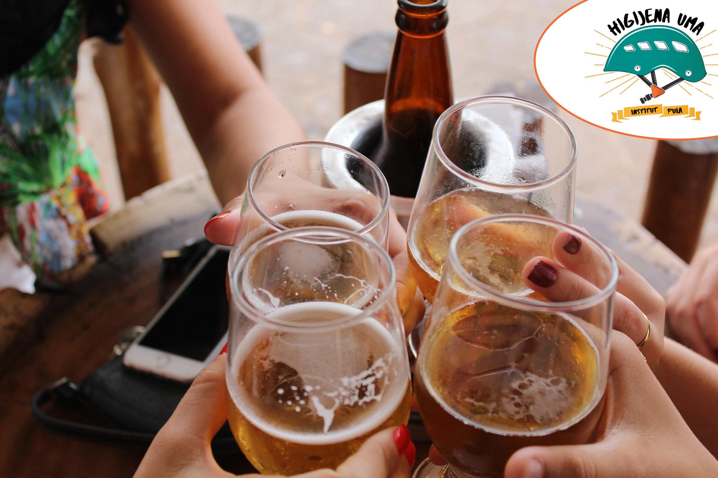 Naslovna-drinking beer
